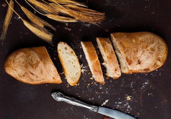 """Ai mâncat pâine și te-ai umplut de """"firmituri""""? Ce e în neregulă cu asta?"""