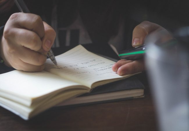 Verbul: definiție, conjugări, moduri și timpuri