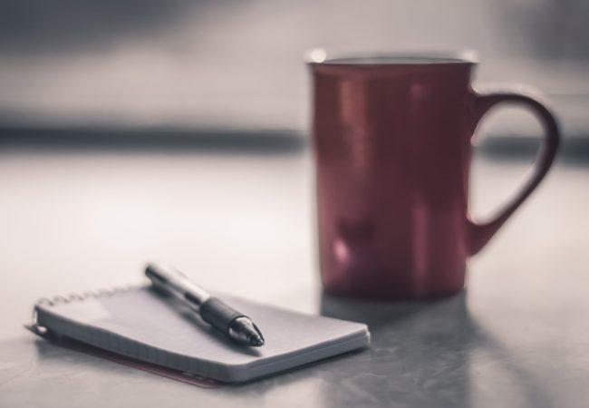 Recunoști scriitorul? Quiz de 40 de întrebări cu scriitori români