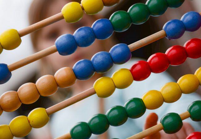 Valorile numeralului; funcții sintactice și clasificări