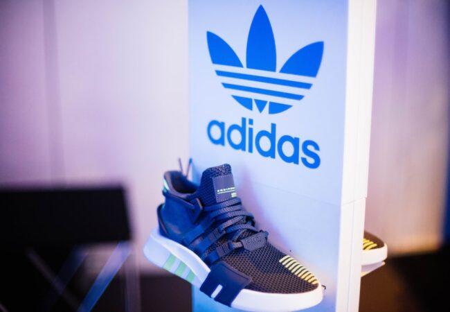 "Despre ""Adidas"" și ""adidas"""
