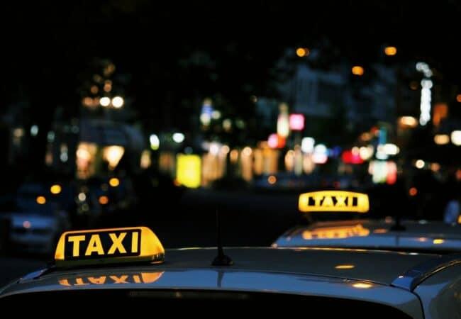 """""""Taxi"""" sau """"taximetru""""?"""