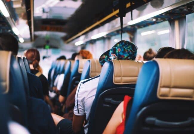 """""""Autobuz"""" sau """"autobus""""?"""